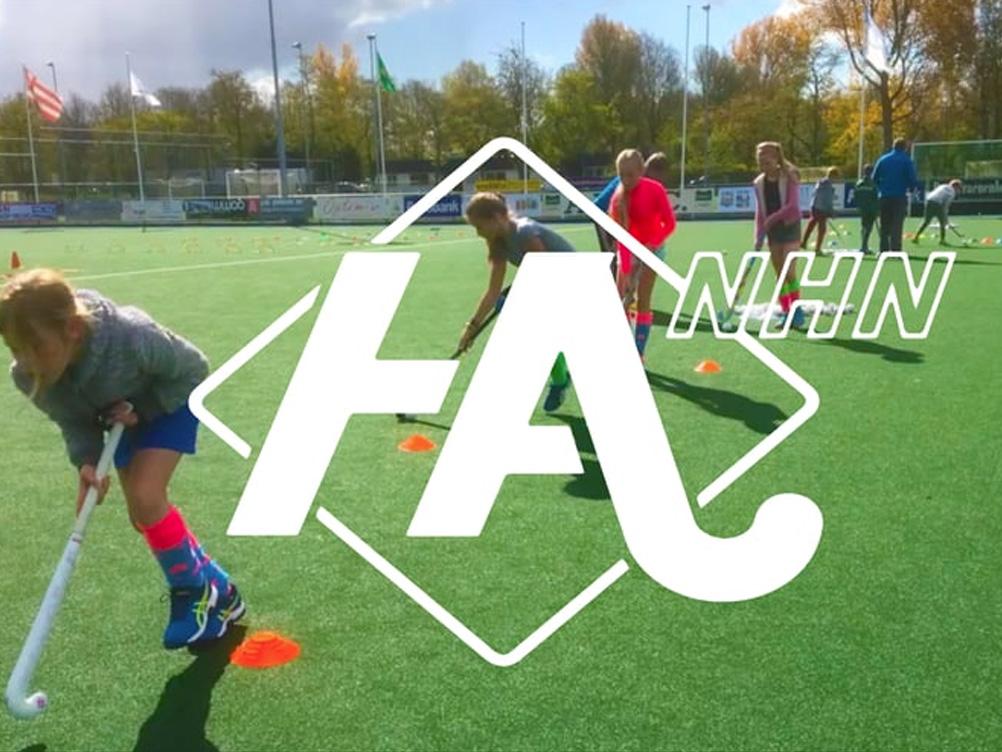 Hockeyacademie nhn | online en een flyer mee
